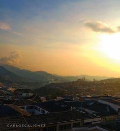 Distancia #distance #sun #sunset #sunsetMagic #love #beautiful #sinfiltro #manizalessinfiltro #manizales #loves_colombia #discovery #manizalesHD #igersmanizales #igerscolombia #love #linght #colombia #travel #travelcolombia