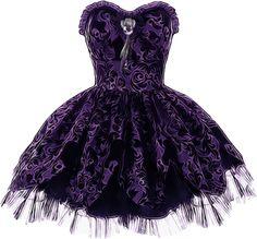 Gothic Dress by *Letinha on deviantART Gothic Outfits, Edgy Outfits, Pretty Outfits, Pretty Dresses, Beautiful Dresses, Harajuku Fashion, Lolita Fashion, Gothic Fashion, Victorian Fashion