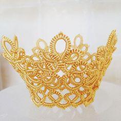 Корона для моей Принцессы на конкурс красоты. #фриволите #корона #красивоекружево #детскиезаколки #дорогобогато #доченьке