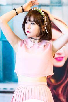 Read × Eunha × from the story Kpop Girl Groups, Korean Girl Groups, Kpop Girls, Pretty Asian, Beautiful Asian Girls, Kpop Fashion, Korean Fashion, Music 2015, Entertainment