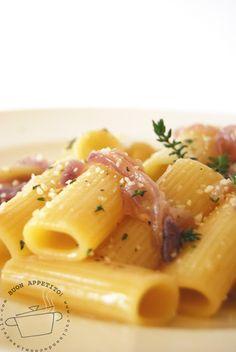 http://www.cucinandoconmiasorella.ifood.it/2012/03/rigatoni-con-cipolle-di-tropea-e.html
