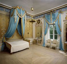 Queen Désirée's Bedroom at Rosersbergs Slott. Rosersbergs is one of the Royal Palaces of Sweden. Situated on the shores of Lake Mälaren, on the outskirts of Stockholm, it was built in the 1630s by the Oxenstierna family and became a royal palace in 1762, when the state gave it to Duke Karl (later Karl XIII), the younger brother of Gustav III of Sweden. Photo: Håkon Lind