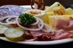 Eine typische Häckerplatte in Churfranken  ... #häckerwirtschaft #franken #churfranken