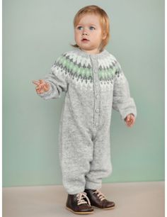 Søkeresultater for: 'vardebaby' Knitting For Kids, Baby Knitting Patterns, Knitting Designs, Knitting Projects, Baby Outfits, Kids Outfits, Baby Barn, Kid Swag, Knit Crochet