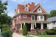 1909 Queen Anne Colonial Revival - Queen Anne Colonial Revival in Webster, New York - OldHouses.com
