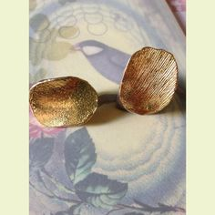 Gold Petals (screw clasp) Vintage Earrings