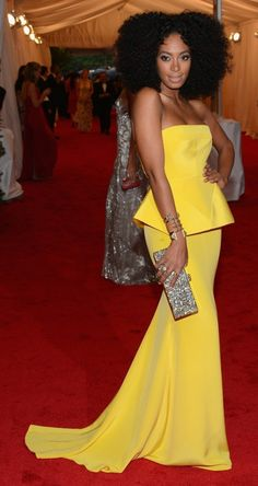 Canary yellow x curls x Solange = simply perfect.