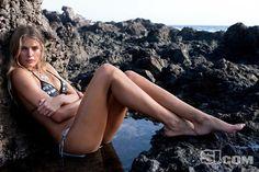 hot-actress-tori-praver-bikini-swimsuit-model-5