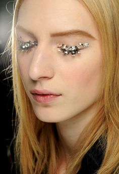 Say yes to glitter lashes.