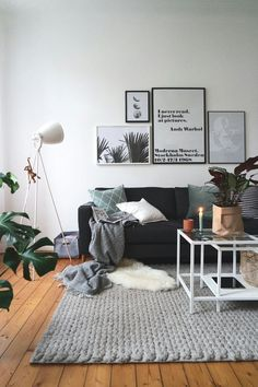 Home Decoration Ideas: Creating a relaxed atmosphere with soft fabrics, wood and plants.
