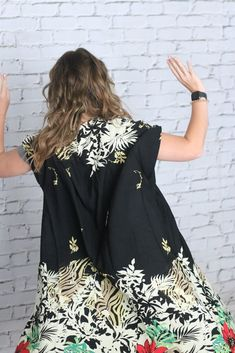 Fancy Floral Kimono Floral Kimono, Woven Fabric, Stretch Fabric, Floral Tops, Autumn Fashion, Cover Up, Short Sleeves, Fall Fashions, Fancy