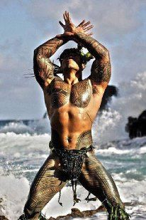 """Traditional Samoan tribal tattoo known as a """"pe'a. I've got to go to Samoa.and the entire South Pacific.for things. Tattoos Masculinas, Great Tattoos, Body Art Tattoos, Incredible Tattoos, Amazing Art, Ta Moko Tattoo, Backpiece Tattoo, Tattoo Hip, Tattoo Maori"""