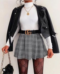 Cute Skirt Outfits, Girly Outfits, Cute Casual Outfits, Pretty Outfits, Stylish Outfits, Mini Skirt Outfit Winter, Outfit With Skirt, Houndstooth Skirt Outfit, School Skirt Outfits