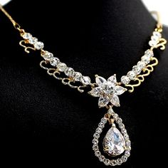 Fashion Crystal Princess Design Star Gold Plating Earring Necklace Set NS2153B