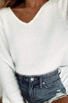 The v neck plain basic sweaters is so soft and touchable and it is a good choice of fashion in fall. The v neck plain basic sweaters is so soft and touchable and it is a good choice of fashion in fall. Basic Outfits, Stylish Outfits, Girl Outfits, Fashion Outfits, Fashion Trends, Fashion Clothes, Womens Fashion, Fashion Pics, Unique Outfits