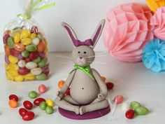 Yoga Osterhase - Tortenfigur oder Osterdeko Cupcakes, Muffin, Eggs, Food, Easter Bunny, Easter, Projects, Cup Cakes, Egg