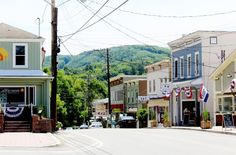 These small town main streets are total perfection.