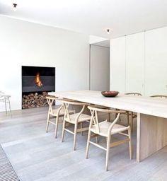49 Simple And Minimalist Dining Room Design Ideas Luxury Dining Chair, Dining Room Chairs, Dining Room Furniture, Dining Rooms, Dining Table Design, Modern Dining Table, Minimalist Dining Room, Minimalist Decor, Modern Minimalist