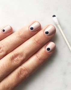 A Simple Nail Hack For Graphic Understated Nails | Le Fashion | Bloglovin'