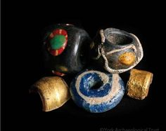 Almost 300 glass beads were found at Coppergate, (near York, in England) the overwhelming majority of them being of just one colour. The most popular colours were blue, green and yellow.  Beads made of amber, bone, antler, shell and stone were also found.