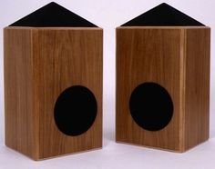 Shahinian Obelisk speaker from 1976 has omnidirectional treble and a transmission line bass cabinet.