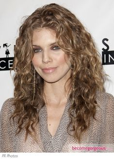 AnnaLynne McCord Beachy Curls Hairstyle