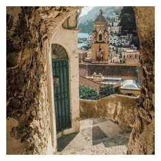 Lulu Townsend - Marketing (@lulusluxurylifestyle) posted on Instagram • Sep 15, 2020 at 3:30pm UTC Amalfi Coast Italy, Barcelona Cathedral, Big Ben, Taj Mahal, Photo And Video, Building, Places, Photography, Travel