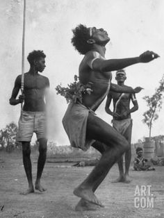 Australian aboriginal people dancing with a child watching in the background, Australia, photo: Fritz Goro Aboriginal History, Aboriginal Culture, Aboriginal People, Aboriginal Painting, Australian Aboriginals, People Dancing, Dance Movement, Indigenous Art, People Of The World