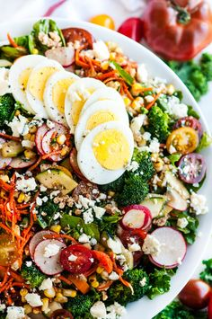 Loaded Chopped Veggie Salad - Everything but the kitchen sink makes up this healthy, fresh, produce laden salad with blue cheese and balsamic vinaigrette. Chopped Salad Recipes, Healthy Salad Recipes, Chopped Salads, Kale Recipes, Avocado Recipes, Clean Eating, Healthy Eating, Healthy Food, Rabbit Food