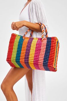 Piñata-tas - picture for you Tote Handbags, Purses And Handbags, Patchwork Bags, Crochet Handbags, Plastic Canvas Patterns, Knitted Bags, Handmade Bags, My Bags, Straw Bag