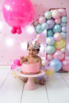 1st Birthday Girl Decorations, Candy Theme Birthday Party, 1st Birthday Cake Smash, Birthday Balloons, 1st Birthday Parties, Baby Cake Smash, Princess First Birthday, Baby Girl 1st Birthday, Birthday Girl Pictures