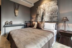Спальня   #коричневый #мужскойинтерьер #серый #спальня Ещё фото http://iqpic.ru/%d1%81%d0%bf%d0%b0%d0%bb%d1%8c%d0%bd%d1%8f-7