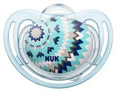 Chupeta Nuk FreeStyle com anel em silicone, disponível nos tamanhos 1, 2 e 3.  Especialmente indicada para a pele sensível. Várias cores e motivos disponíveis. Motivo: Ethno. www.nuk.pt