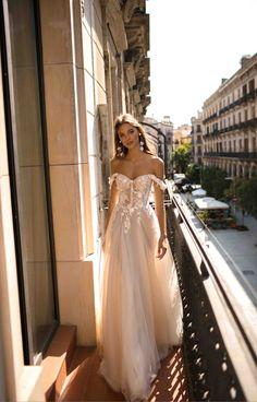 Diana Wedding Dress, Perfect Wedding Dress, Dream Wedding Dresses, Bridal Dresses, Wedding Gowns, Lace Beach Wedding Dress, Luxury Wedding Dress, Wedding Venues, Muse By Berta