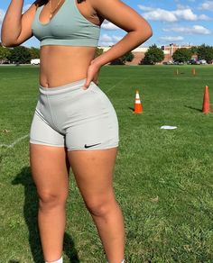 Chill Outfits, Cute Outfits, Summer Body Goals, Looks Pinterest, Thick Body, Slim Thick, Ideal Body, Mode Streetwear, Body Motivation