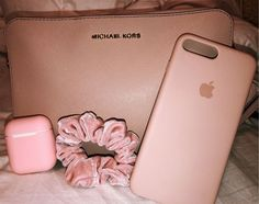 45 Super Ideas For Vsco Birthday Gifts Pink Coque Iphone, Iphone 7, Iphone Cases, Pink Accessories, Iphone Accessories, Tout Rose, Aesthetic Phone Case, Accessoires Iphone, Airpod Case