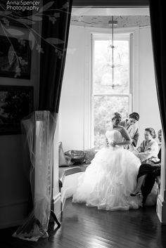 Anna and Spencer Photography, Atlanta Documentary Wedding Photographers. Bride getting ready for her wedding in Savannah, Georgia.
