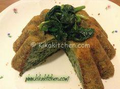 Lo sformato di spinaci e patate è un piatto semplice da preparare, adatto sia come piatto unico che come contorno. Una ricetta vegetariana da arricchire all'occorrenza con dadini di prosciutto o pancetta.