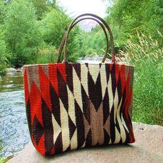 Julie Feldman's Handmade Purse with Antique Navajo Weaving Tote Handbags, Purses And Handbags, Leather Handbags, Beautiful Handbags, Beautiful Bags, Tapete Floral, Navajo Weaving, Navajo Rugs, Indian Blankets