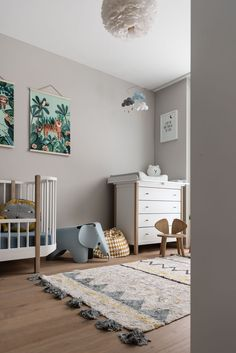 5 tips to set up a small nursery Baby room / kids room The post 5 tips to set up a small nursery appeared first on Woman Casual - Kids and parenting Baby Room Boy, Baby Bedroom, Nursery Room, Kids Bedroom, Girl Nursery, Nursery Ideas, Nursery Decor, Nursery Grey, Nursery Neutral