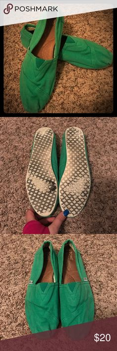 Kelly Green TOMS Cute green TOMS. Size 10 in women's. Used. Ask with and questions, offers welcomed. TOMS Shoes Flats & Loafers