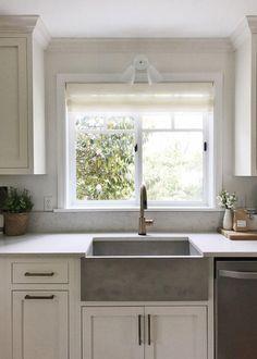 Kitchen Window Dressing, Kitchen Sink Window, Farmhouse Sink Kitchen, Kitchen Windows, Farmhouse Style, Concrete Kitchen, Kitchen Wood, Kitchen Family Rooms, Home Decor Kitchen