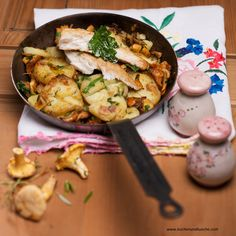 Eierschwammerl Rezepte | Pfifferling Rezepte | Kochen und Küche Austrian Recipes, Kung Pao Chicken, Ethnic Recipes, Food, Cooking Recipes, Casserole, Fungi, Meal, Essen