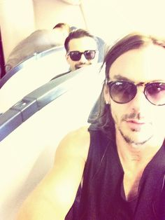 ShannonLeto SHANNON LETO Off to Japan with Tomo! pic.twitter.com/ZM92F5VXHV