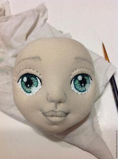 Вот, наконец, созрела для мастер-класса по раскраске кукольных глаз. По правде говоря, я не имею никакого художественного образования и не знаю, правильно ли я рисую глаза, может это делается не так. Так что не судите строго. Для работы нам понадобится акриловая краска, очень тонкие кисточки, стакан воды, клей 'Момент' универсальный для приклеивания накладных ресниц. Извините за качество фоток.