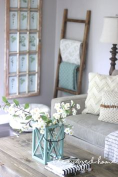 Best Country Decor Ideas - Easy Rustic Ladder - Rustic Farmhouse Decor Tutorials and Easy Vintage Shabby Chic Home Decor for Kitchen, Living Room and Bathroom - Creative Country Crafts, Rustic Wall Art and Accessories to Make and Sell http://diyjoy.com/co
