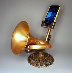 O amplificador vintage para seu smartphone que dispensa energia elétrica