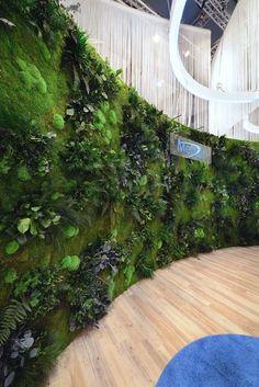 Messestand DGHO Roche Grüne Wand mit Arno Messedesign und styleGREEN