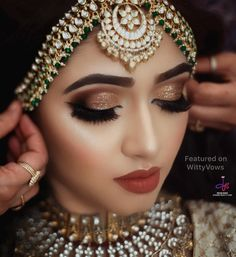 6 Latest Bridal Makeup Looks You've Got to Try This Wedding Season! Indian Eye Makeup, Indian Wedding Makeup, Indian Eyes, Bridal Eye Makeup, Bridal Makeup Looks, Indian Wedding Jewelry, Bride Makeup, Bridal Looks, Hair Wedding