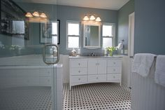 Beautiful Black And White Traditional Bathroom Ideas With Bathroom ...